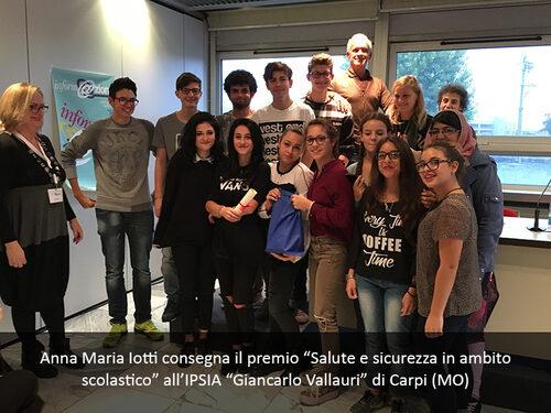 Foto della premiazione all'IPSIA Valluri di Carpi (MO)